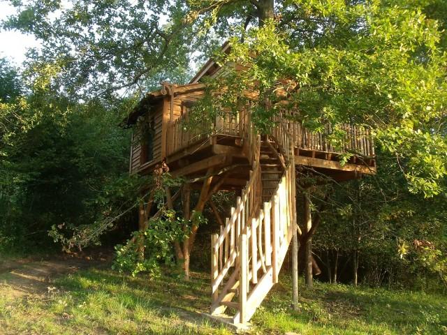 La cabane perch e du haut claberot avec spa une nuit en cabane tout confort avec spa au coeur - Cabane dans les arbres avec jacuzzi sud ouest ...
